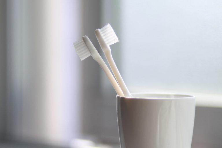 tandenborstels_in_beker_parkzicht